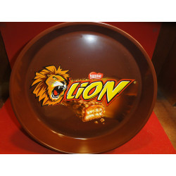 1 PLATEAU NESTLE LION