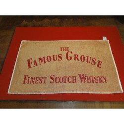 1 TAPIS DE BAR THE FAMOUS GROUSE