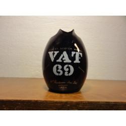 1 PICHET WHISKY VAT 69 NOIR HT. 11CM