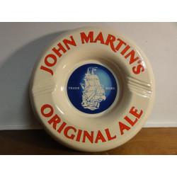 1 CENDRIER  JOHN MARTIN'S