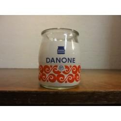1 POT DE YAOURT DANONE  07