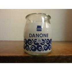 1 POT DE YAOURT DANONE  08