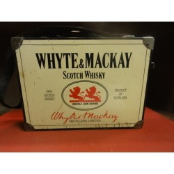 1 VALISE  WHYTE & MACKAY WHISKY