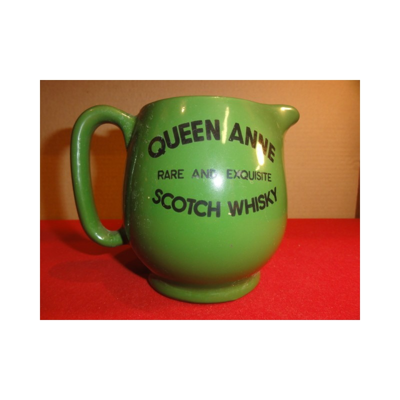 1 PICHET WHISKY QUEEN ANNE