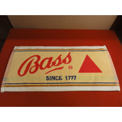 1 TAPIS DE BAR  BASS