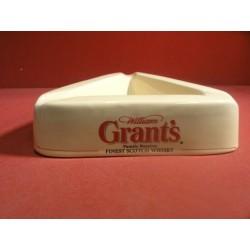 1 CENDRIER WILLIAM GRANT'S 19X19X19
