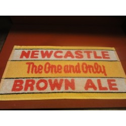 1 TAPIS DE BAR NEWCASTLE 48CM X23CM