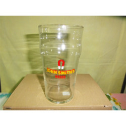 1 VERRE  JOHN SMITH'S   PINT 50CL