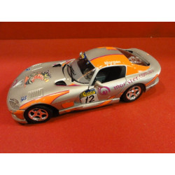 1 VOITURE  VIPER GTS COUPE 1/24
