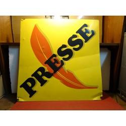 TOLE PRESSE  55CM X55CM