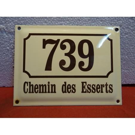 PLAQUE EMAILLEE  739 CHEMIN DES ESSERTS 20CM X15CM