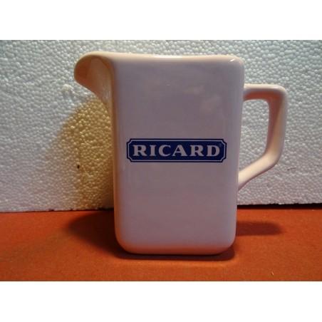 PICHET RICARD FUSHIA  1 LITRE ITALIE  HT 15.50CM
