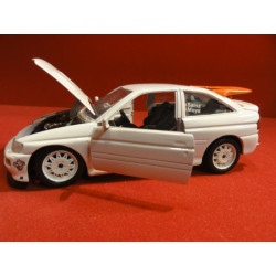 1 VOITURE  ESCORT RS COSWORTH  1/24