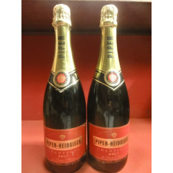 2 BOUTEILLES FACTICES CHAMPAGNE  PIPER-HEIDSIECK