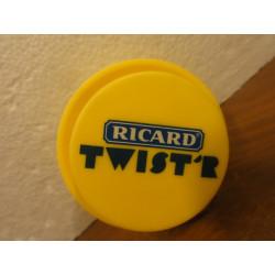 6 TWISTERS RICARD