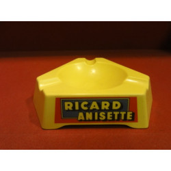 1 CENDRIER RICARD PLASTIQUE
